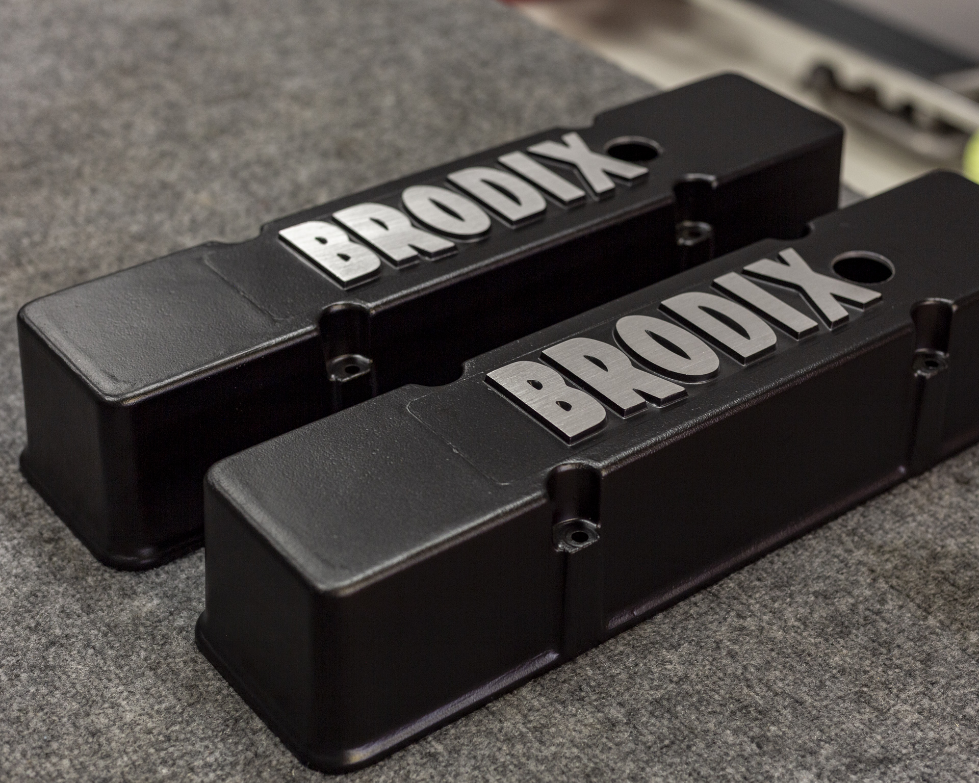 brodix valve cover chevy powder coat black